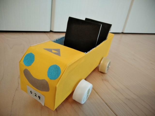 車が好きな子は必見!~空き箱で車の作り方~