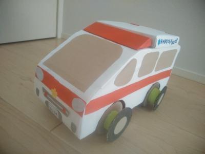 空き箱で車の作り方~第12弾 救急車~